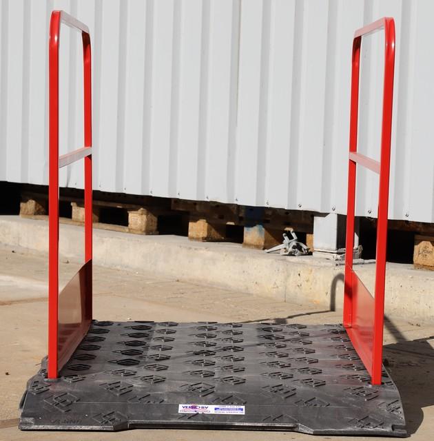 Loopbrug kunststof 170 cm met leuningen huren