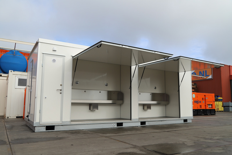 Toilet unit met toiletten heren