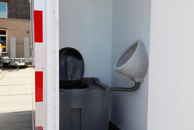 Schaftwagen 4 mtr. zonnepaneel (berging+wc) huren