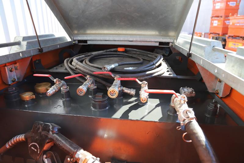 Brandstoftank 3000 l. IBC keur met pompinstallatie huren
