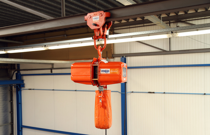 Kettingtakel 400V 1000 kg/ 8 meter  huren